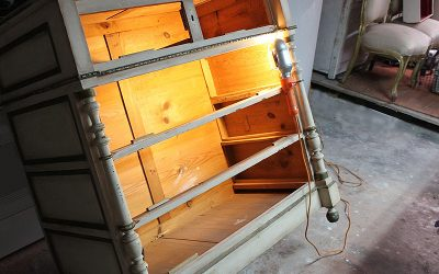 Restauración de una cómoda policromada de estilo alfonsino (s.XIX)