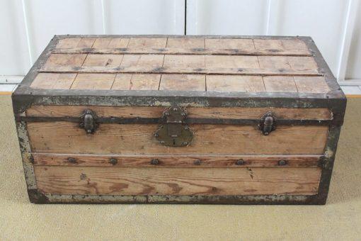 Dominique antiguo ba l de madera y herrajes for Herrajes muebles antiguos