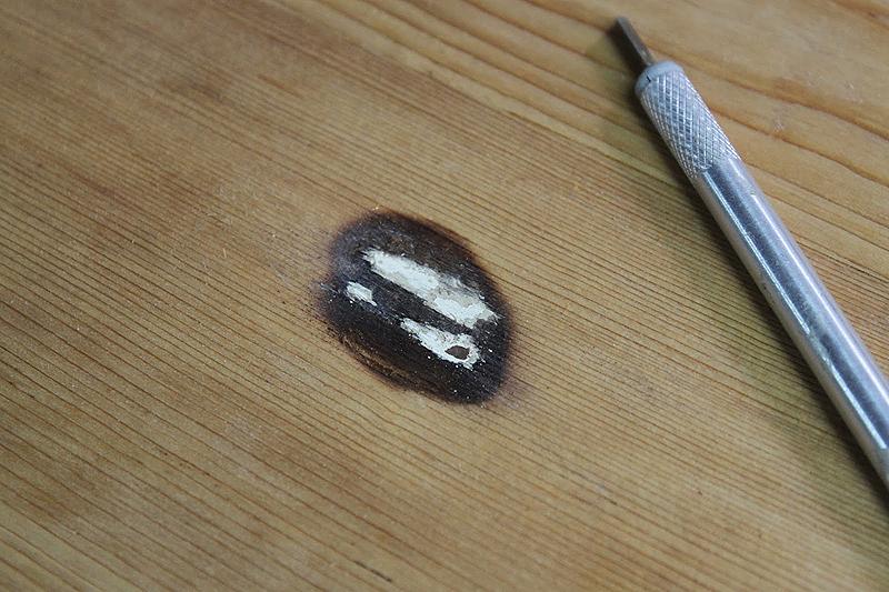 Quemaduras en el sobre del mueble