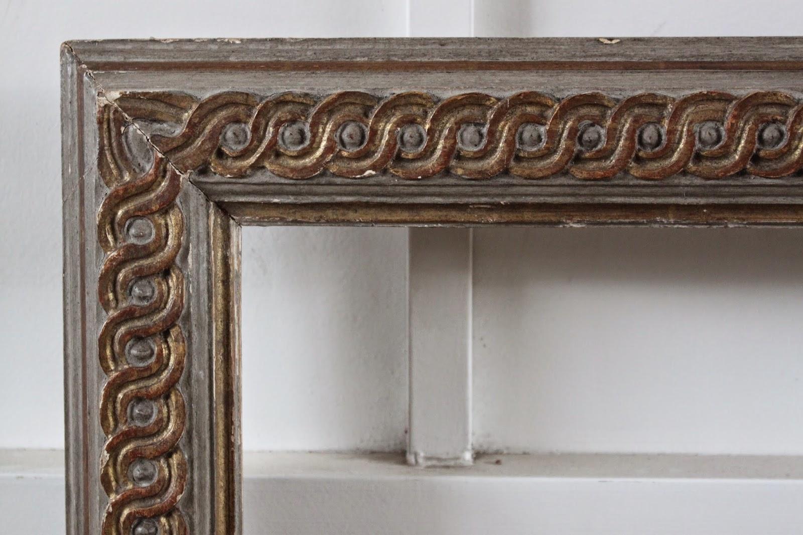 Dominique / Marcos de madera tallados