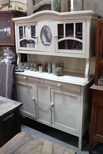 Dominique / Mueble antiguo de cocina