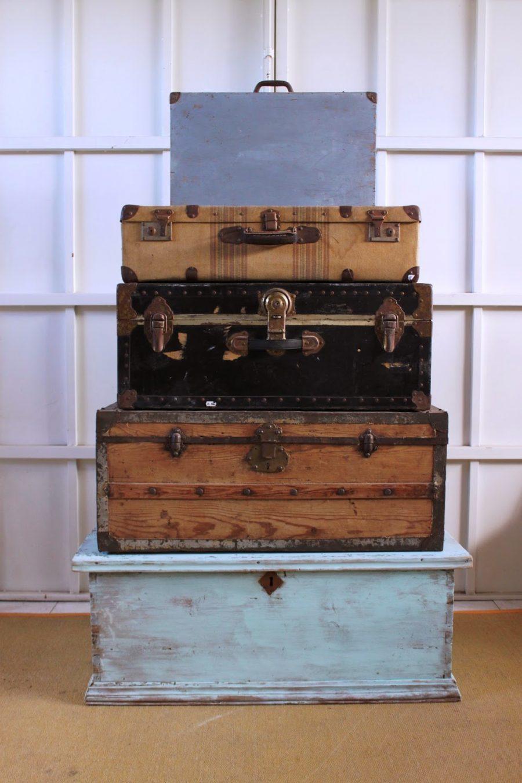 Dominique antiguo ba l de madera y herrajes - Herrajes muebles antiguos ...