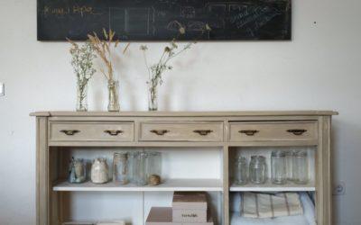 Cómo conseguir el efecto madera lavada en un antiguo mueble.