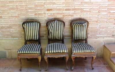 Del trastero al comedor: Restauración de 6 sillas olvidadas