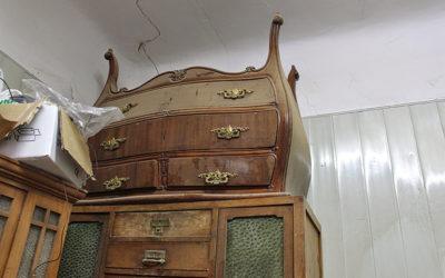 Restauración y puesta al día de una antigua cómoda bombé